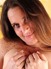 Freckled american mom undress clothes