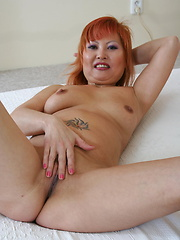 Horny mature slut doing a black guy