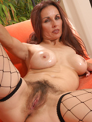 Mature bushy babe gets a good fucking!